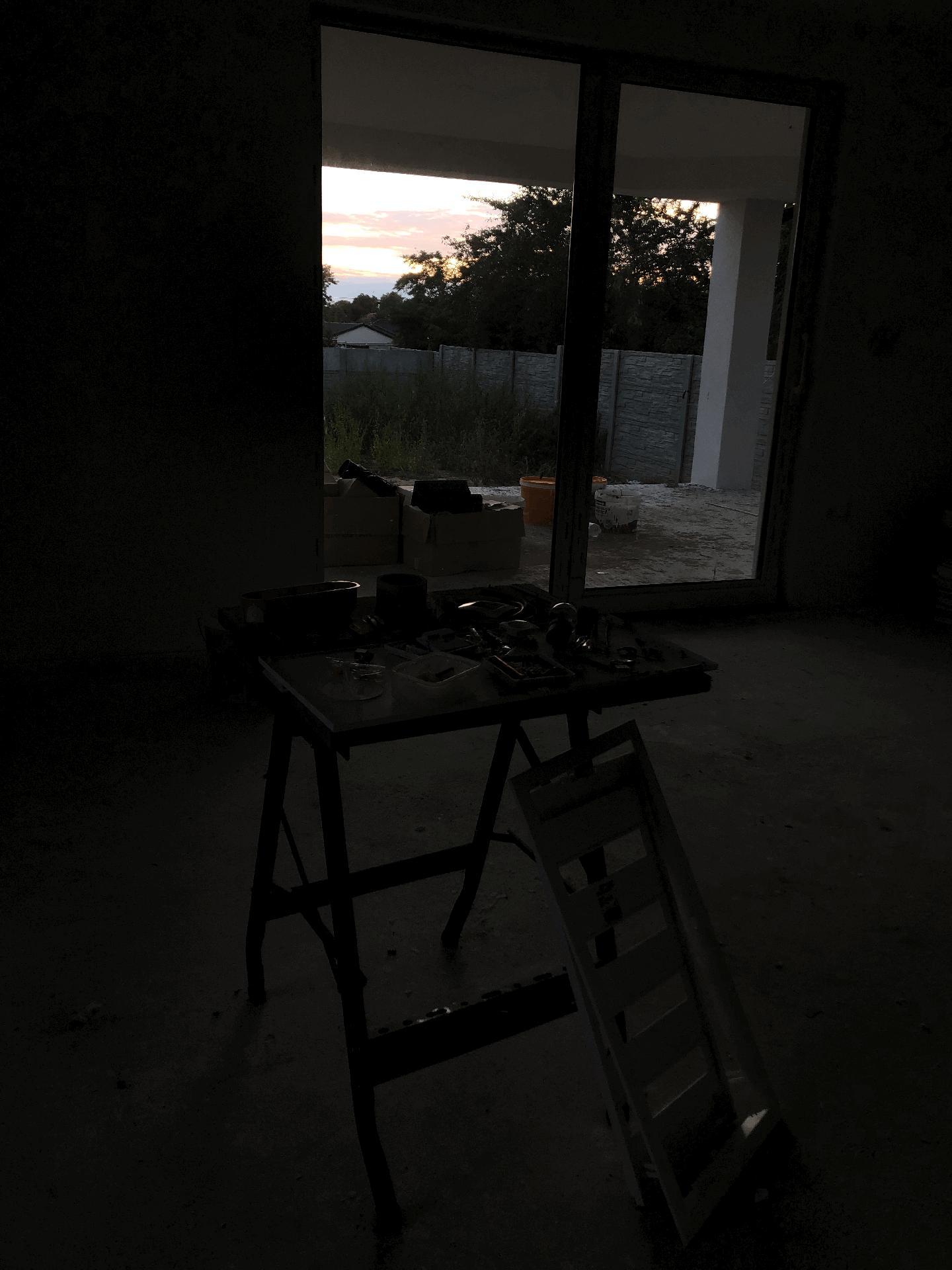 Naše prvé vlastné bývanie - západy slnka na terase budú fajn :)