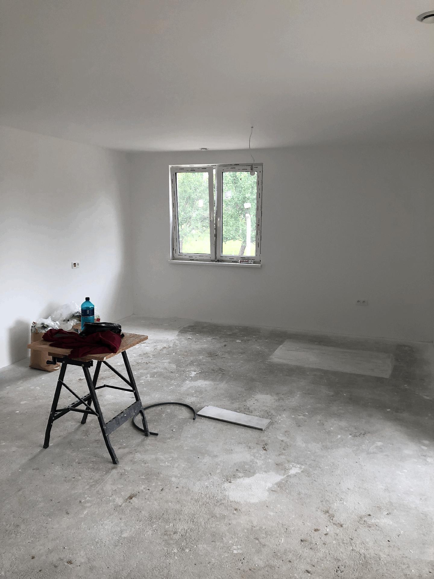 Naše prvé vlastné bývanie - budúca obývačka :)