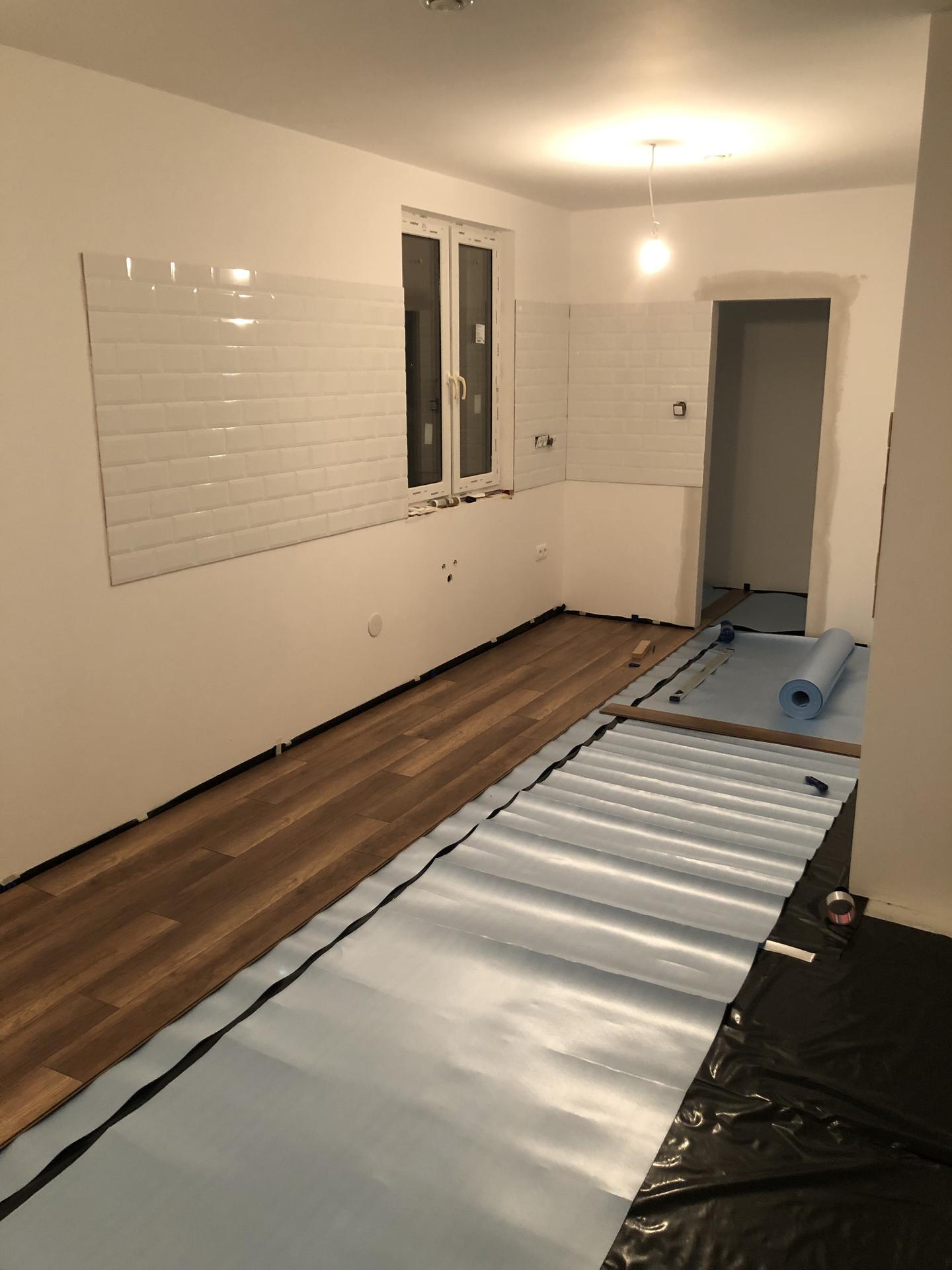 Naše prvé vlastné bývanie - Dnes uz som zacal riesit aj podlahu :)