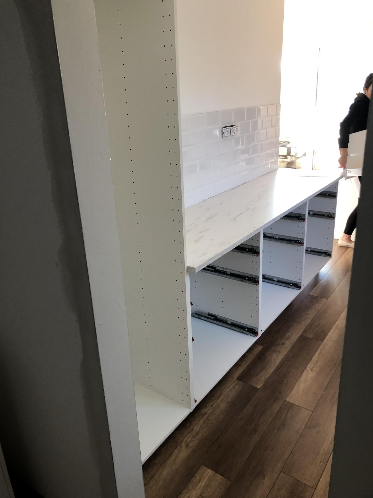 Naše prvé vlastné bývanie - Uz aj kuchyna zacina vyzerat ako kuchyna 😍
