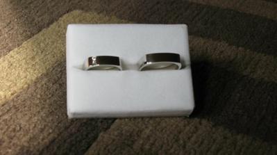 ...snubní prstýnky...už jsou doma :-)