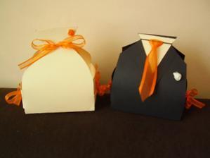 krabičky na výslužky- ženich bude dávat tmavou a nevěsta světlou(vlastní výroba)