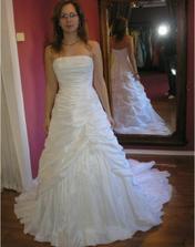 10. šaty
