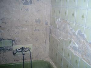 KÚPEĽŇA - Pôvodná kúpeľňa s vaňou
