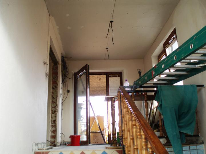 Prerábka domu - Schody a dvere na terasu
