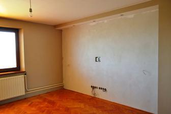 Obývačka pred...
