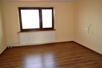 Budúca spálňa s novou podlahou