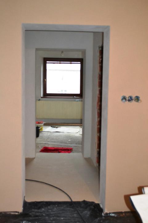 Prerábka domu - Pohľad z obývačky do kuchyne