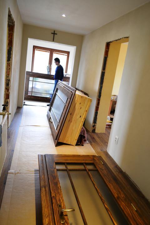 Prerábka domu - Konečne dorazili aj dvere