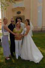 se svědky (manželkou svědka) a to miminko-Lukášek se narodilo 5 dní po naší svatbě - tak to bylo krásně vypočítané :-)