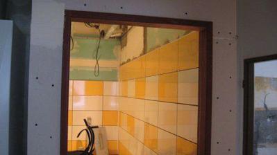 4.4.2009 - rekonstrukce - obklady koupelna 2