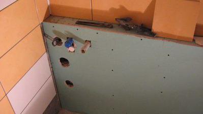 4.4.2009 - rekonstrukce - koupelna sokl 2