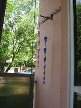 ozdoby na kuchyňském balkónu