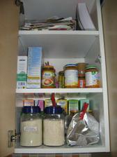 kuchyně - horní skříňka se Simči dobrotama