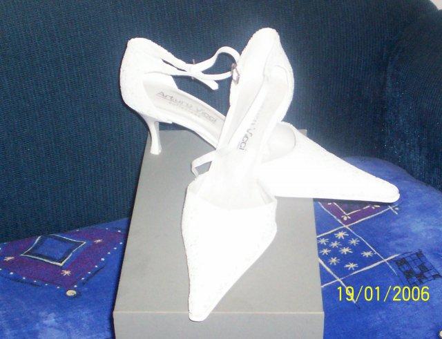 Naše prípravy - 7. október 2006 - moje svadobné topánočky