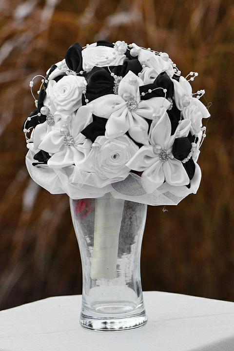Svadobné kytice, možnosť aj kúpiť - bielo-čierna, viac informácii o kytici v mojom shope
