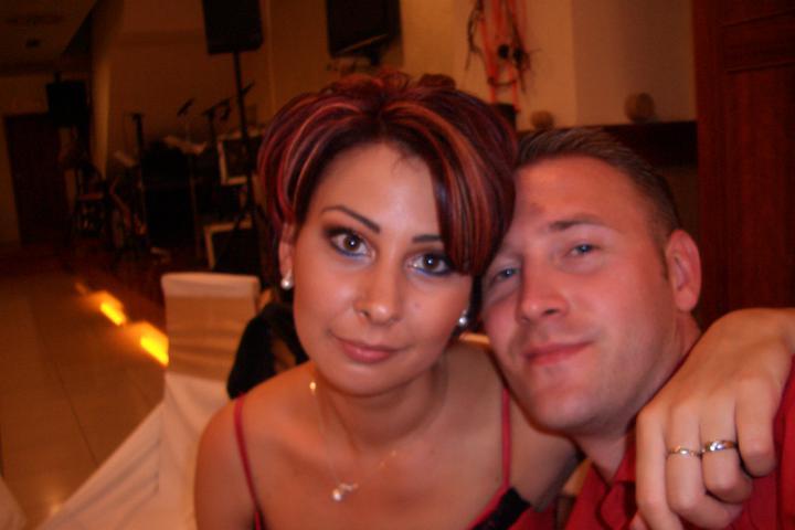 Takto sme vyzerali na známeho svadbe :-) som zvedavá ako budeme vyzerať na svojej :-) - unavený :-)