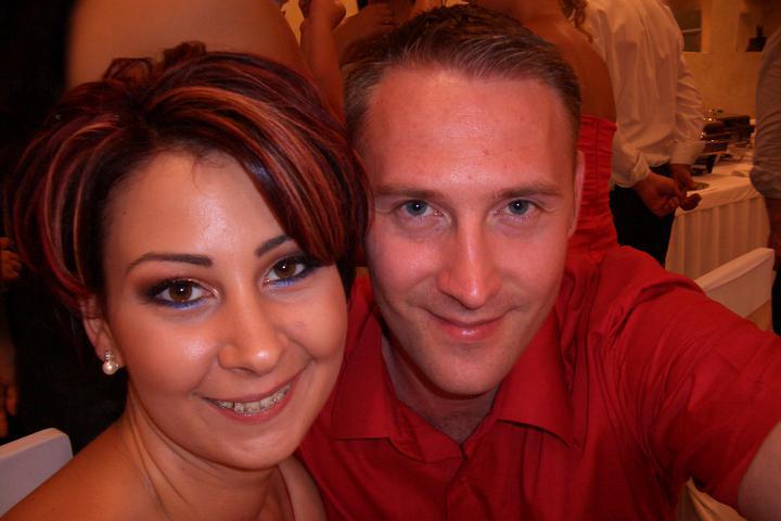 Takto sme vyzerali na známeho svadbe :-) som zvedavá ako budeme vyzerať na svojej :-) - tam mám ešte strojček :-)