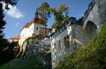 hrad Valdštejn, v bílé kapli bude obřad