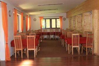salonek, kde se bude odehrávat hostina