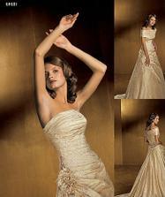 vybrané šaty-na modelce