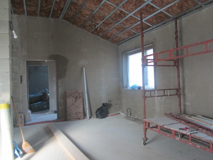 Náš domček - 40 cm izolacie, na chodbach 60 cm