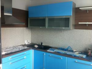 Nasa kuchyna uz len dat svetlo, vymenit sklo po montovani,vysparovat mozaiku...a byvaame
