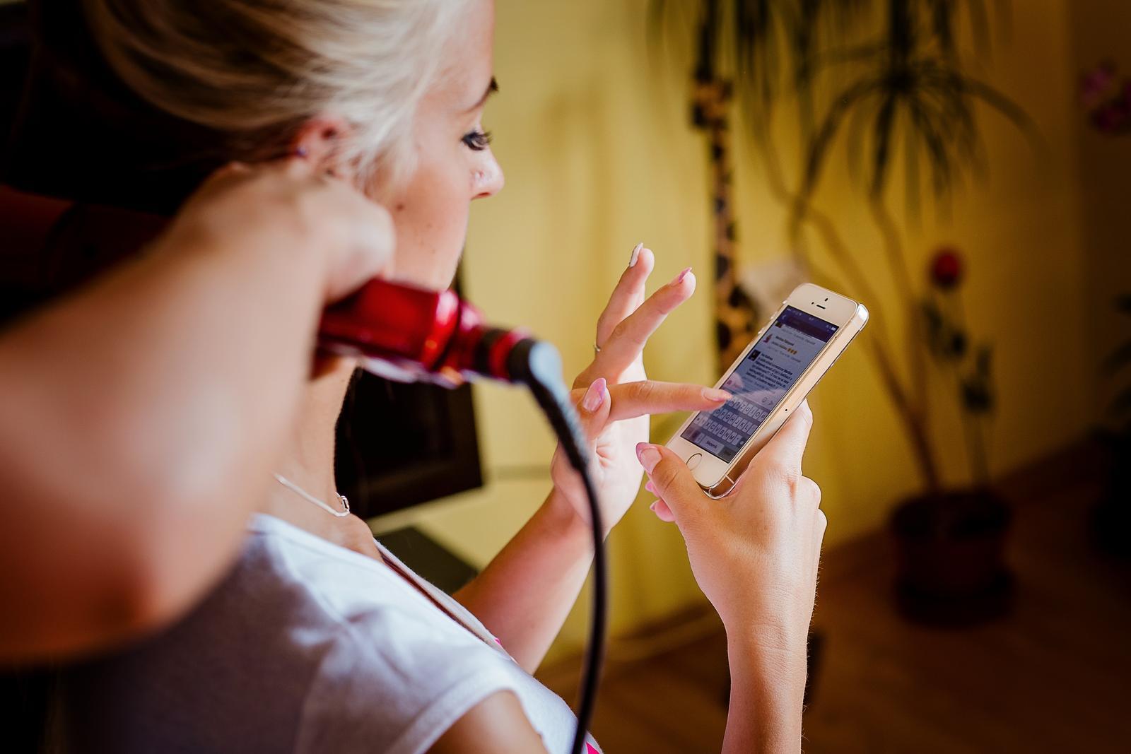 Maťulka{{_AND_}}Honzík - utajena nevesta  komunikovala pred svadbou aspon cez mobil :-)