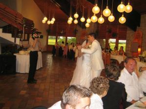 Prvy svadobny tanec