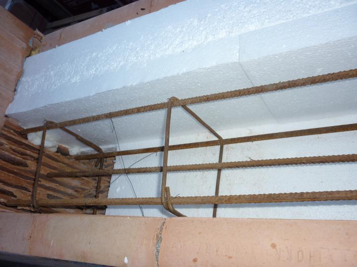 Zdění domečku - už jen vylít betonem