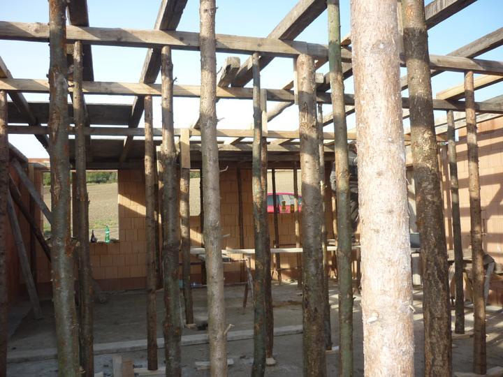Příprava na betonové stropy - zčásti nachystáno na plotny