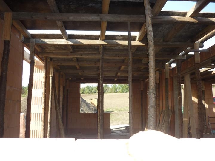 Příprava na betonové stropy - pokládání ploten