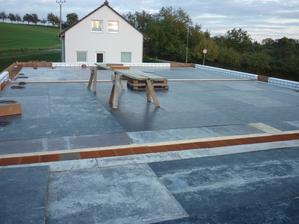 teď střecha-pak podlaha :-)