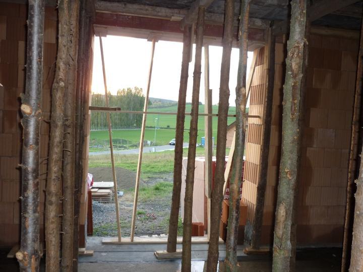 Příprava na betonové stropy - výhled z jídelny :-))