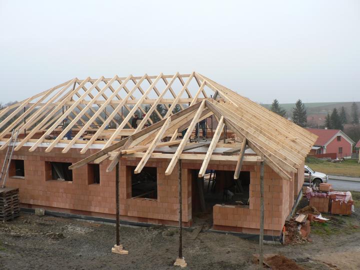 Střecha - zadní přístřešek nad terasu
