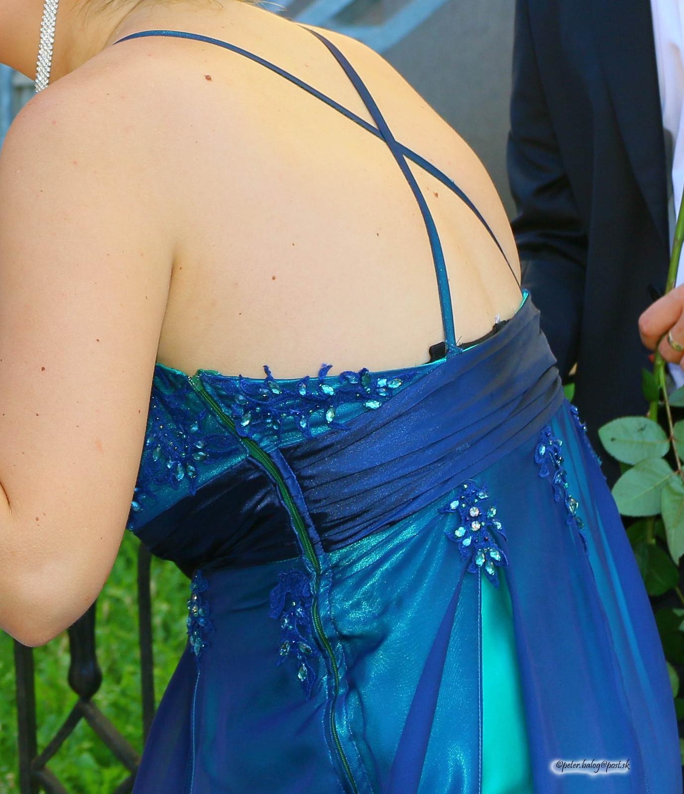 dlhé spoločenské šaty - Obrázok č. 3