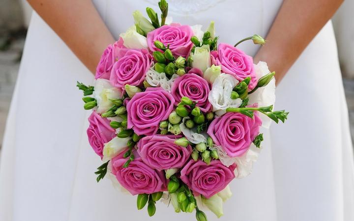 Inspirace - růžovo zelená svatba - Obrázek č. 114