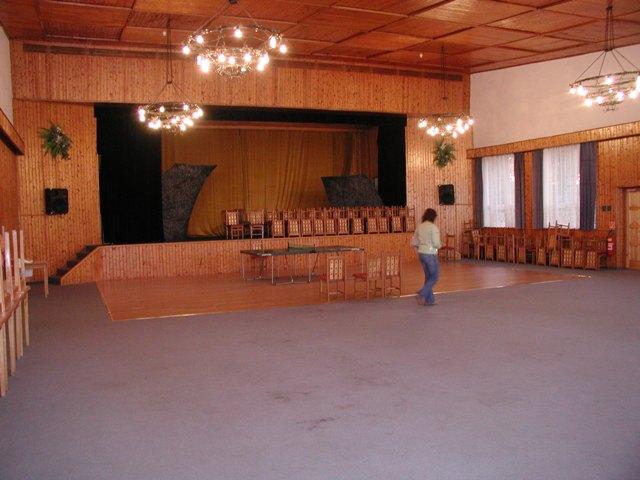 Svadba 29.april 2006_Erika a Marek - miestnosť, kde sa budeme zabávať, tancovať a hodovať