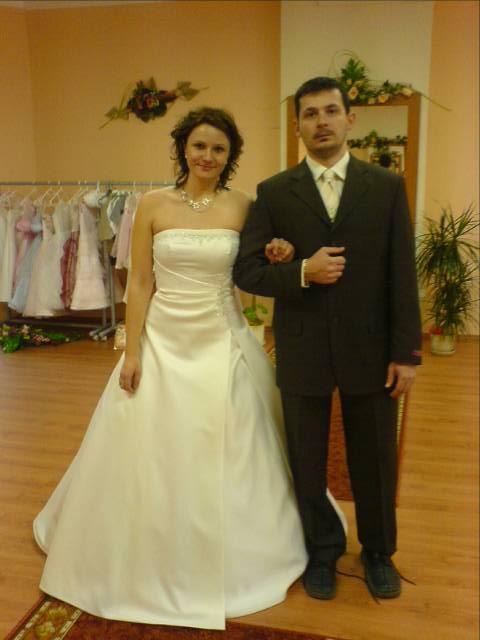 Svadba 29.april 2006_Erika a Marek - takto spolu ladime (tie šaty ale mať nebudem)