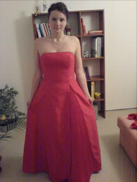 Svadba 29.april 2006_Erika a Marek - toto su moje popolnočné šaty. Veľmi sa mi páčia.