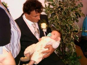 Michalův tatínek s naším malým Honzíkem