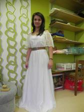 Zkouška šatů (ještě na trochu vyšší nevěstu :-)