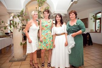 S mamkou a sestřičkama
