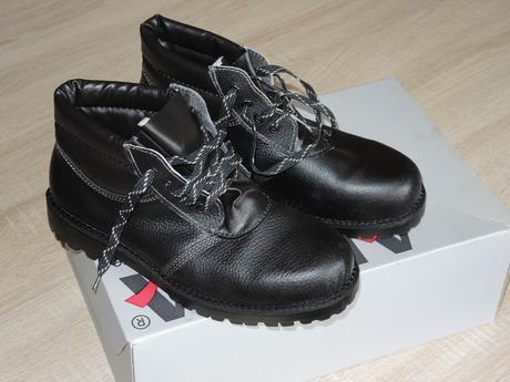 Pracovná obuv zateplená - Obrázok č. 1