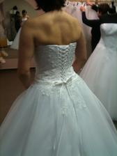 Vlasta 2 - záda v korzetu nejsou to co bych chtěla ukazovat svatebčanům :o)