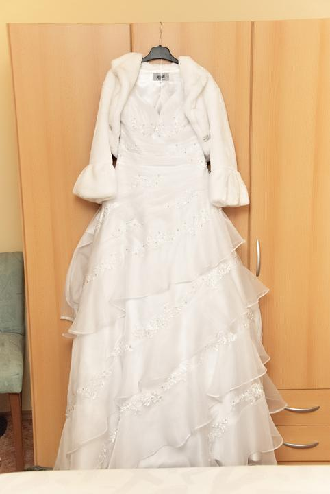 Zuzka{{_AND_}}Tomáš - moje úžasné svadobné šaty, ľahučké, krásne, dokázala by som v nich byť neustále (Michell NZ)