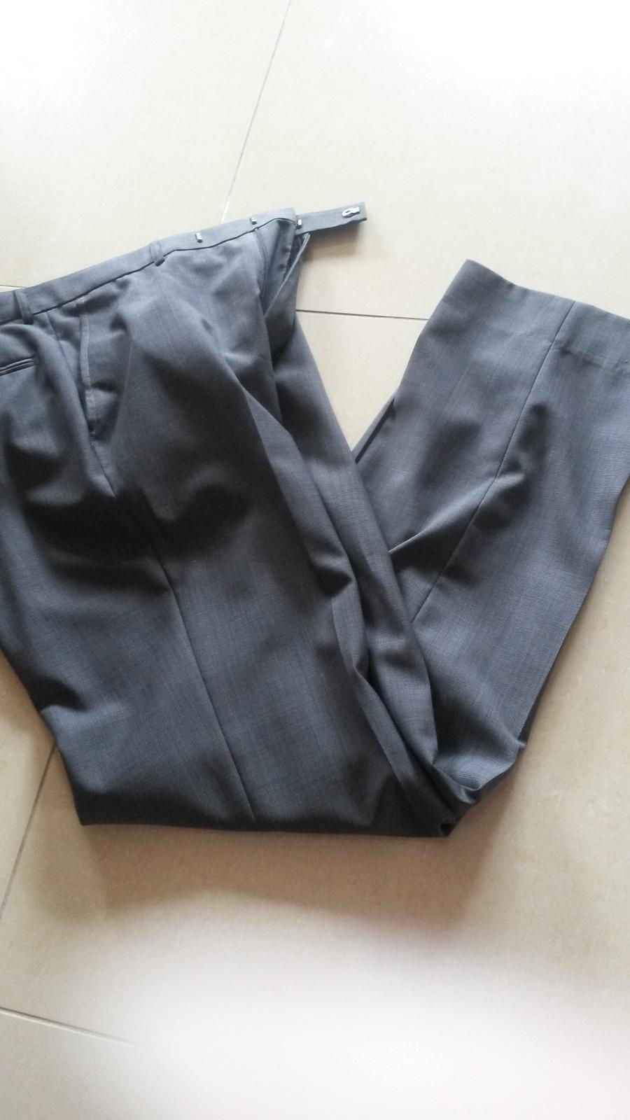 Slim oblek - Obrázok č. 1