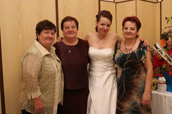 mamina, teta a krstná