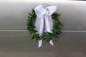 Jednoduchá ozdobička na dveře auta a na okna