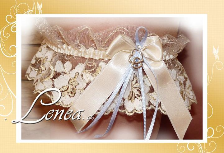 Podvazky pro nevěsty-od novinek po tradici - ...smetanovo zlatý podvazek...